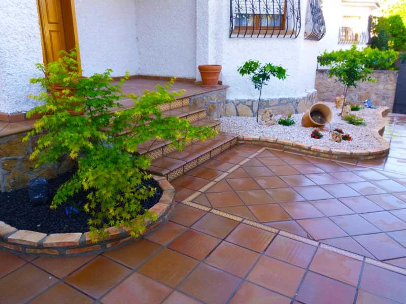 Restauración de jardineras de ladrillo